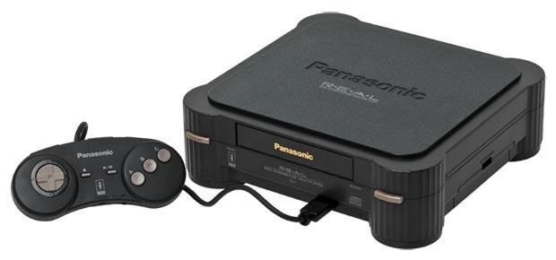Panasonic 3DO <br >В 1995 году Panasonic произвел настоящую революцию в мире игровых приставок, выпустив 32-битную Panasonic 3DO. Но дело даже не в количестве бит и качестве изображения, а в том, что игры отныне загружались не с катриджей, а с CD-дис