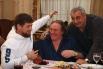 Глава Чеченской Республики Рамзан Кадыров и гражданин РФ, французский актер Жерар Депардье во время встречи в новом здании комплекса правительственных зданий в Грозном.