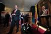 Лидер КПРФ Геннадий Зюганов в посольстве Венесуэлы в Москве, где проходят траурные мероприятия в связи с кончиной президента Уго Чавеса.