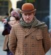 """Актер Андрей Панин в роли Ватсона на съемочной площадке сериала """"Шерлок Холмс"""" в Санкт-Петербурге."""