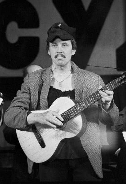 Валерий Золотухин в спектакле