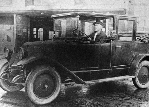 Московское такси в середине 20-х годов прошлого века. 1925 г.