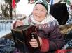 По всей деревне льются народные песни «Сарман», «Авыл кое» («деревенская мелодия» – прим. автора), «Шахта», «Мэк чэчэге» («цветок мака» – прим. автора) под звуки тальянки 75-летней Замзамии Сунгатуллиной.