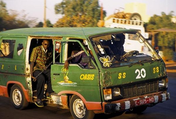 Не о какой технике безопасности на маршрутках Мали знать ничего нехотят.