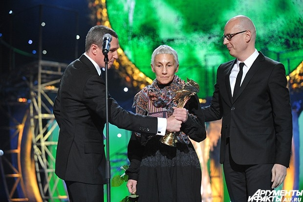 Актриса Роза Хайруллина, сыгравшая ослепшую ханшу Тайдулу в фильме Андрея Прошкина «Орда», получила кинопремию «Ника» за исполнение лучшей женской рол