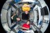 Экипаж 31-й длительной экспедиции (Олег Кононенко, Андрэ Кауперс и Дональд Петтит) в соединительном модуле «Гармония»