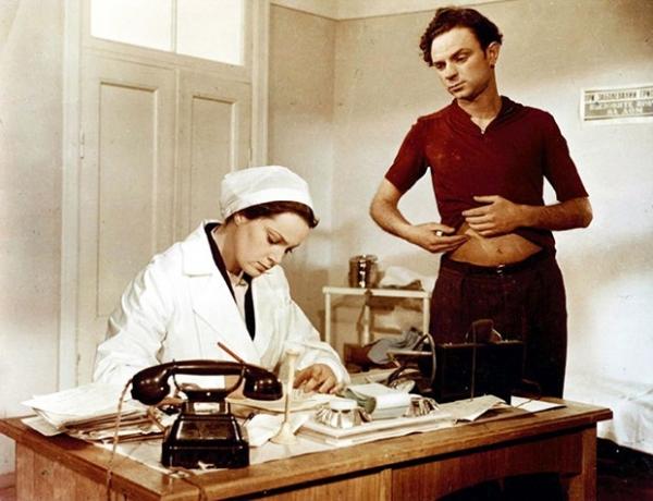 Кадр изфильма «Неоконченная повесть» (1955)