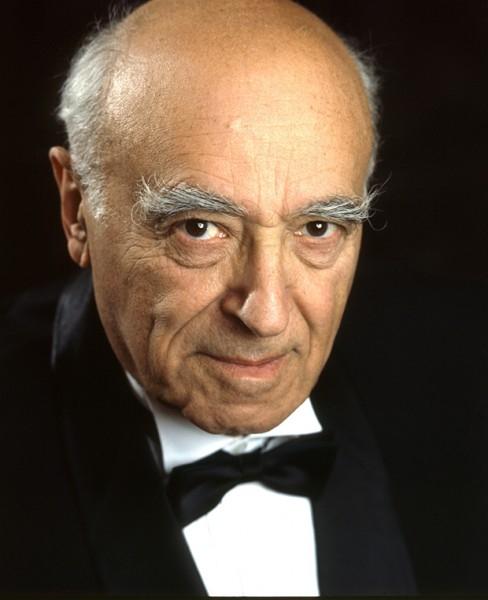 Знаменитый актер, народный артист СССР Владимир Этуш в театре и кино создал множество незабываемых образов в самых различных жанрах – от буффонады до трагедии.