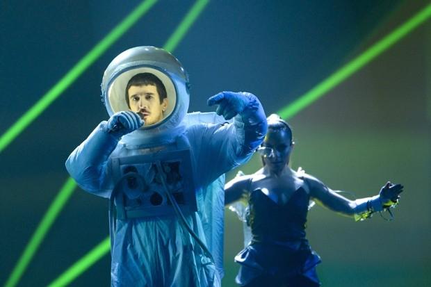Представители Черногории дуэт реперов Who See (Who See Klapa) ипоп-певица Нина Жижич спесней «Igranka» (Танец)