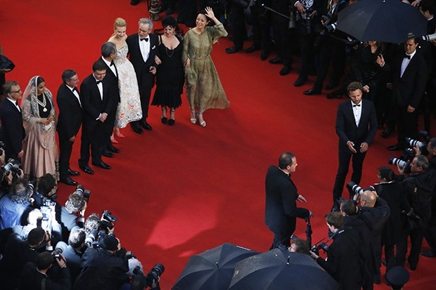 Члены жюри 66-го Каннского кинофестиваля позируют на красной дорожке