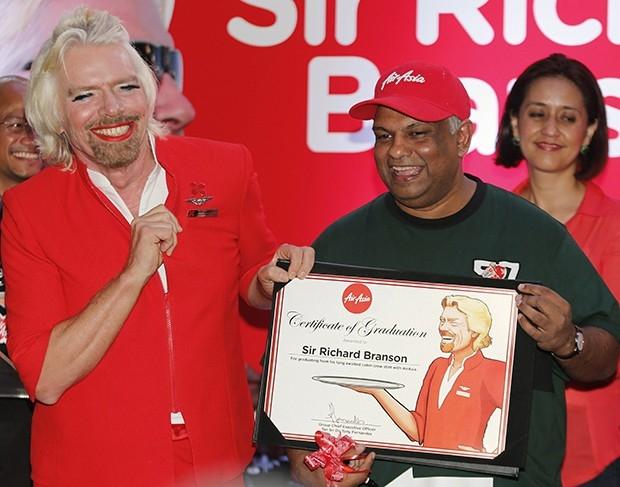 Ричард Брэнсон является основателем корпорации Virgin, которая включает в себя около 350 различных филиалов.