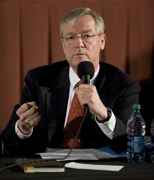 6. Состояние генерального директора Koch Industries, Inc Чарльза Коча по версии Bloomberg является шестым по размеру в мире. Капитал бизнесмена оценивается в 45,2 млн долларов.