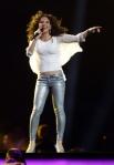 Участница конкурса отАвстрии Наталья Келли спесней «Shine» («Сияй»)
