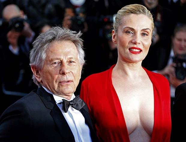 Роман Полански  представил в Каннах свой новый фильм «Венера в мехах». На красной дорожке фестиваля режиссер прошелся под руку со своей женой – 46-летней французской актрисой Эммануэль Сенье, которая сыграла в картине главную роль.
