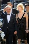Стивен Спилберг с женой Эми Ирвинг