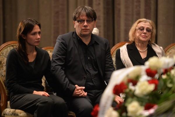 Сын П.Тодоровского, режиссер Валерий Тодоровский с супругой Евгенией и вдова П.Тодоровского Мира