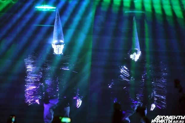 Музыканты исполнили не менее четырех песен с готовящегося нового альбома.