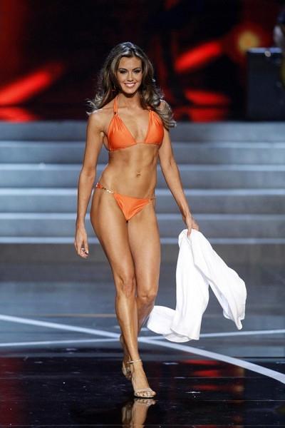 Брэди также получила право представлять США на конкурсе «Мисс Вселенная»