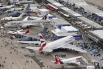 В авиасалоне принимают участие две тысячи компаний из 44 стран мира.