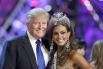 Владелец конкурса «Мисс Вселенная» Дональд Трамп и победительница конкурса «Мисс США» Эрин Брейди