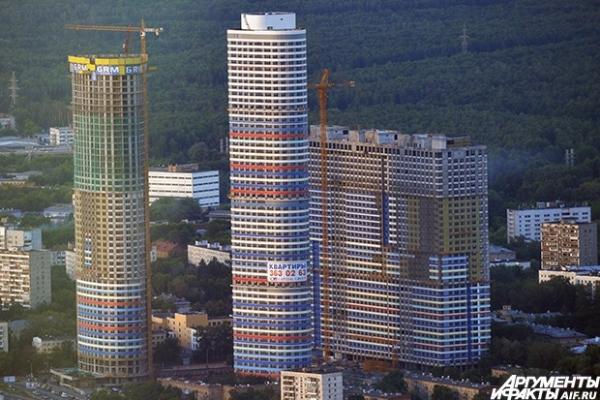 Вид на строящийся жилой комплекс в Северо-Восточном округе