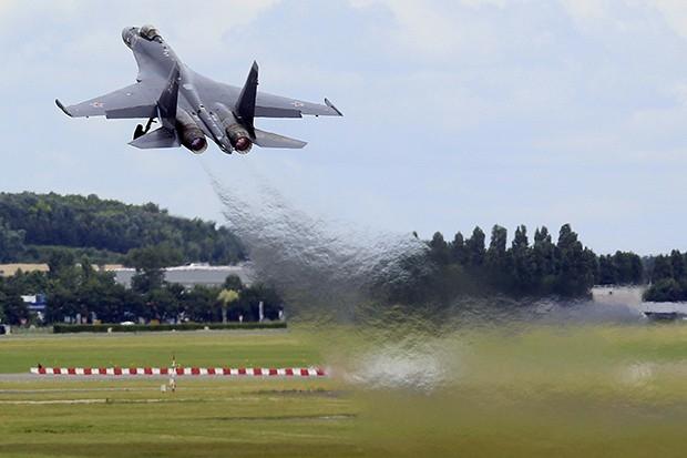 Су-35С уже начали поставлять в российские ВВС. Планируется, что до конца 2015 года отечественные военно-воздушные силы получат 48 самолетов.