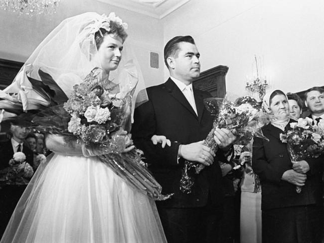 Торжественная церемония бракосочетания летчиков-космонавтов Валентины Терешковой и Андрияна Николаева. Москва, 3 ноября 1963