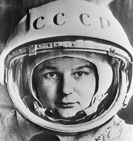 Летчик-космонавт Валентина Терешкова. Репродукция фотографии. 1963г.