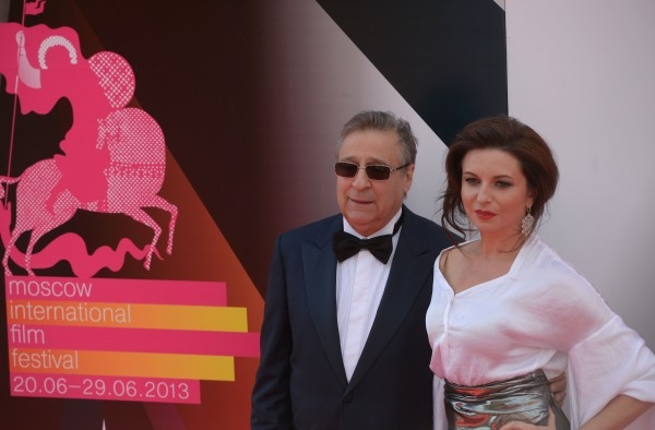 Руководитель московского Театра эстрады Геннадий Хазанов с дочерью Алисой