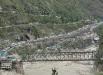 большое количество людей по-прежнему находятся отрезанными от внешнего мира в предгорьях Гималаев