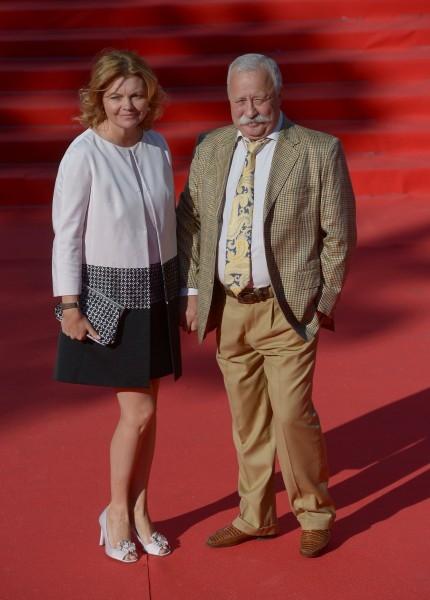 Телеведущий Леонид Якубович с женой Мариной