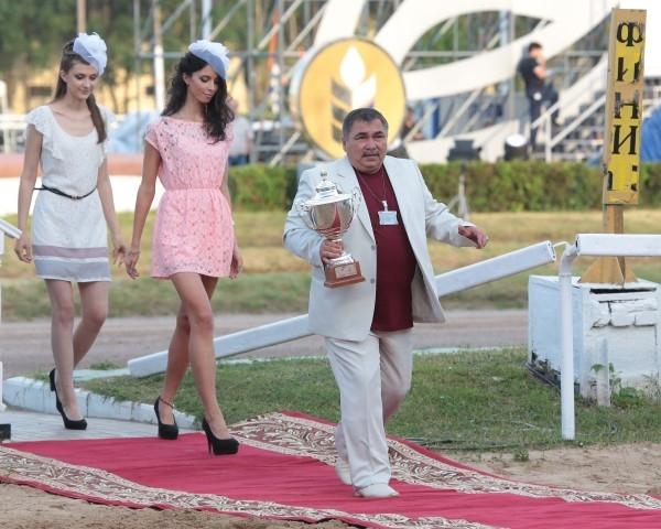 Мастер-тренер Амирбек Деров на московском ипподроме