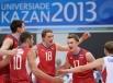 Игроки сборной России радуются победе в матче предварительного раунда группового этапа мужского турнира по волейболу между сборными командами США и России