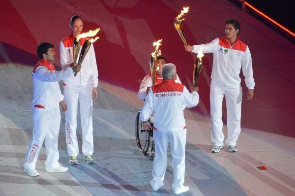Олимпийский чемпион по дзюдо Тагир Хайбулаев, волейболистка Екатерина Гамова, паралимпиец Ирек Зарипов и хоккеист Наиль Якупов принимают участие в церемонии зажжения огня