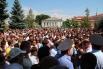 Жители города Пугачево вышли на улицы  после убийства 21-летнего десантника Руслана Маржанова