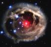 Красный гигант В838.   С момента первого наблюдения в мае 2002 года и по февраль 2004-го диаметр небесного тела увеличился в тысячу раз, а яркость возросла более чем в 600000 раз. За два с половиной года V838 прошла путь от белого карлика до красного ги