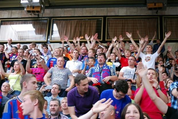 ЛФК ЦСКА, в котором армейцы по традиции проводили встречу с болельщиками был забит до отказа