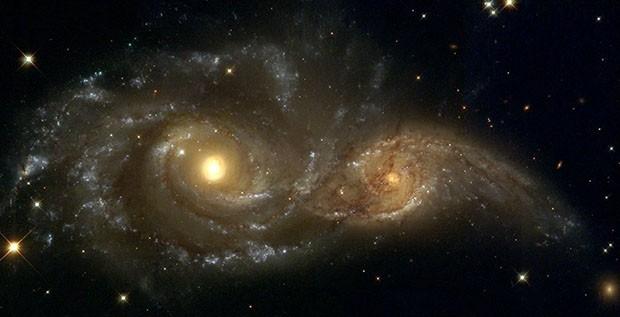 Взаимодействующие галактики — галактики, расположенные в пространстве достаточно близко, чтобы взаимная гравитация существенно влияла на форму, движение вещества и звёзд, на процессы звездообразования, а в некоторых случаях и на обмен веществом между гала