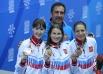 Российские призеры индивидуальных соревнований по фехтованию на рапирах среди женщин.  Лариса Коробейникова - серебряная медаль, Инна Дериглазова - золотая медаль, Диана Яковлева - бронзовая медаль