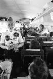 Стюардесса в 1973 году  Сегодня каждая авиакомпания выдвигает к претенденткам на должность стюардессы свои требования, однако существуют и общие правила. Претендент должен быть приятной внешности, без изъянов
