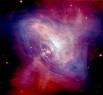 Это остаток сверхновой, взрыв которой наблюдался в 1054 году. Пульсар имеет диаметр порядка 25 км и вращается со скоростью 30 оборотов в секунду.   На этой фото объединены данные оптических наблюдений Космического телескопа Хаббла (показаны красным цве