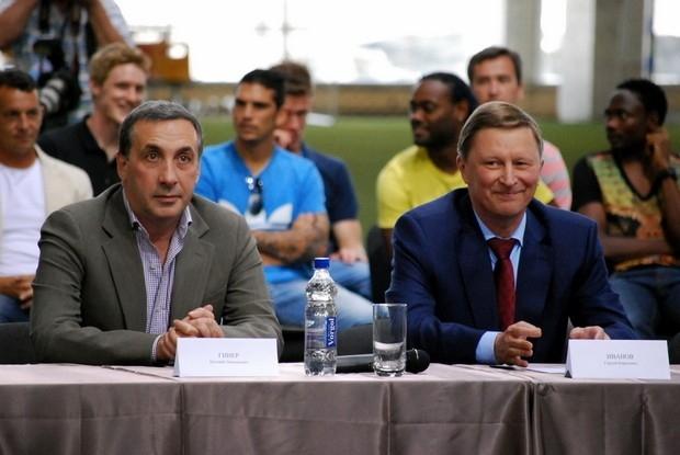 Президент ЦСКА Евгений Гинер (слева) и глава администрации Президета РФ Сергей Иванов