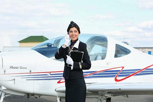Бортпроводники – это лицо авиакомпаний и по праву самый романтичный символ всей гражданской авиации.