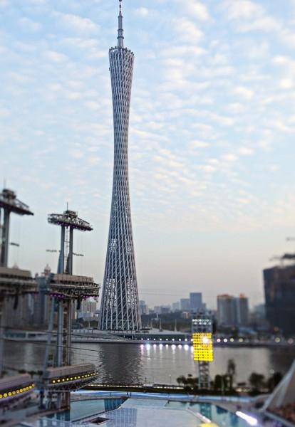 На 18 метров ниже телебашня в китайском Гуанчжоу. 610-метровую вышку построили к Азиатским играм 2010 года.