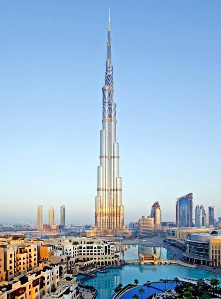 """В построенном в январе 2010 года небоскребе """"Бурдж-Халифа"""" насчитывается 163 этажа."""