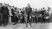 Эдсел  Форд  — сын Генри Форда, президент Ford Motor Company с 1919 по 1943 год.  На церемонии начала строительства завода Ford.