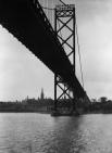 1935 г. Название город получил от реки Детройт которое означает пролив озера Эри, соединяющий озеро Гурон с озером Эри.