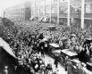 1932 г. В 1930-х годах с появлением профсоюзов Детройт стал ареной борьбы профсоюза работников автомобилестроения с работодателями.