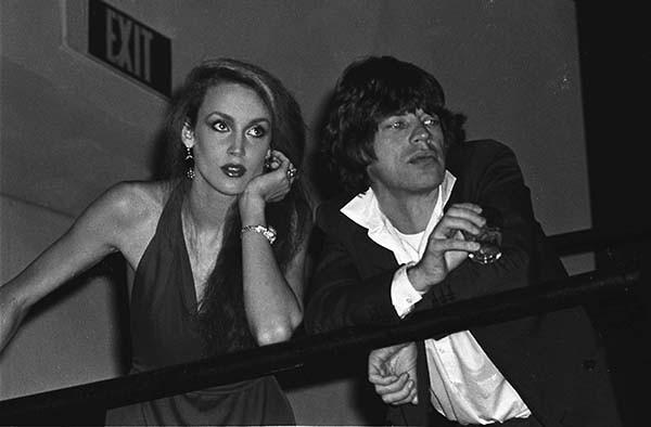 Мик Джаггер  и Джерри Холл. 1978 г.Мик Джаггер дважды был женат: сначала на никарагуанке Бьянке Джаггер (1971—1979), затем на модели Джерри Холл (1990—1999).