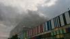 Первые сообщения о возгорании в пристройке телецентра, расположенной по адресу улица Королева, 12, начали поступать около 22.00